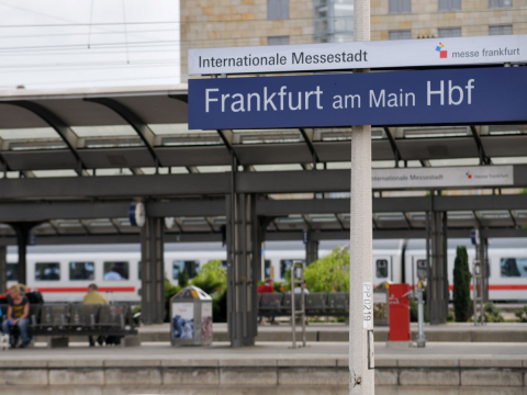 Arrival and transportation in Frankfurt