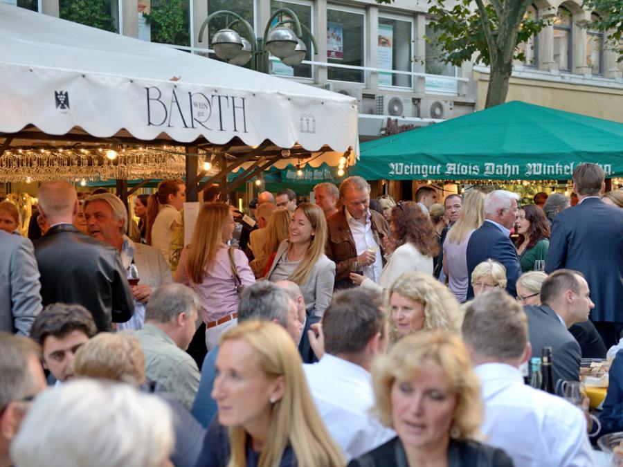 Entdecken und Erleben Veranstaltungen Volksfeste Festivals und Maerkte Rheingauer Weinmarkt