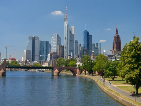 1200x900 Sommertag in Frankfurt Main + Skyline