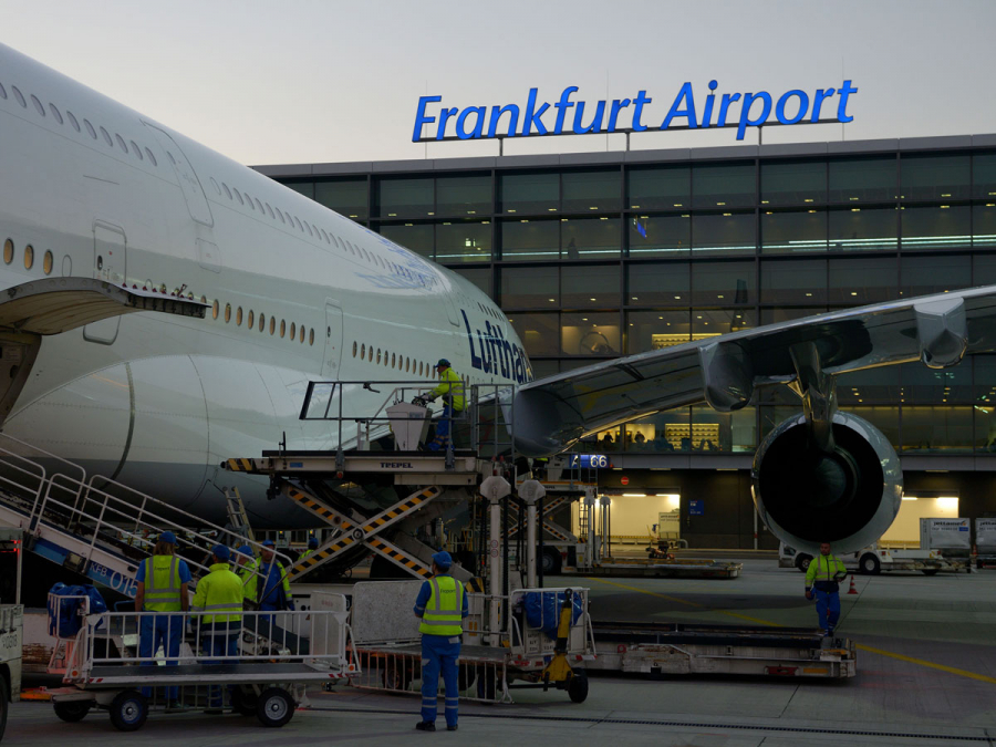 Arrival By Airplane Frankfurt Tourism